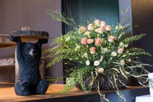Blumenstrauss als Dekoration am Hochzeitsfest im Restaurant Grill & Pasta Bären Schüpfen.